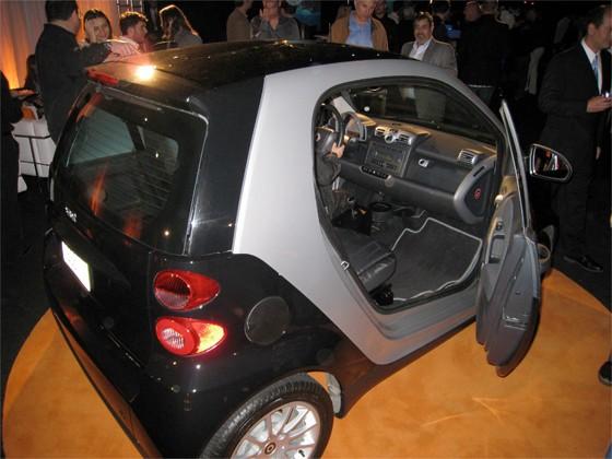 tesla-smart-fortwo-car