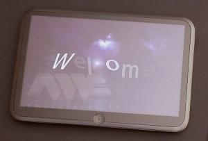 apple-tablet-160809-1