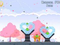 Angry Birds Seasons'ın Sevgililer Gününe özel versiyonu yayınlandı