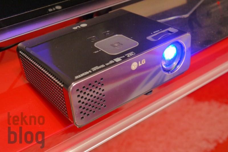 LG HW300G Taşınabilir LED DLP Projektör İncelemesi