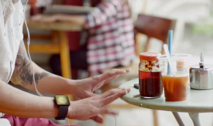 apple-reklam-iwatch-270513