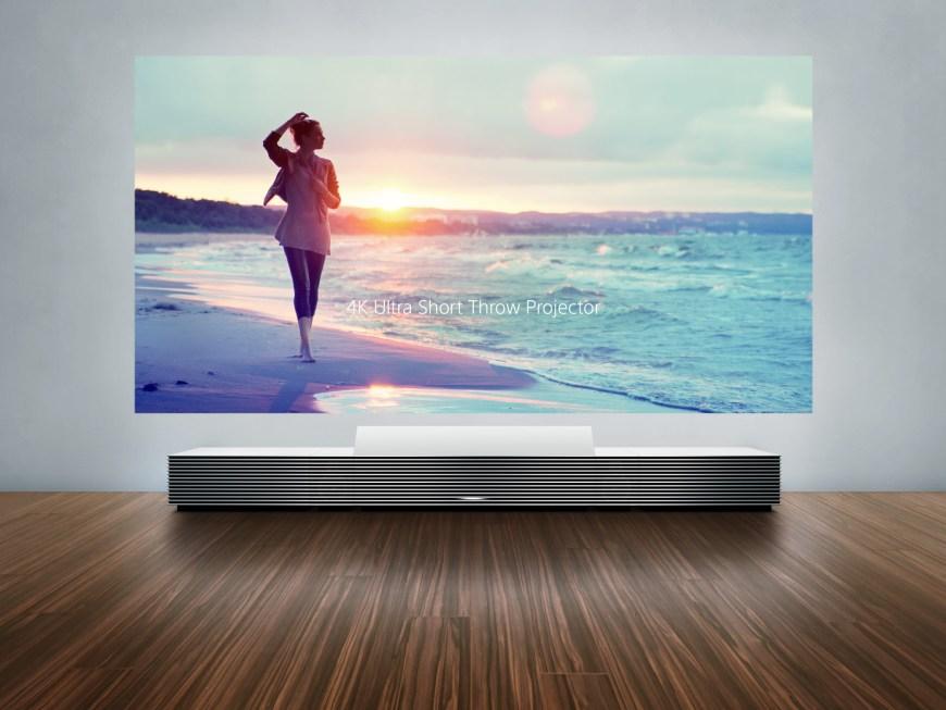 Sony projektörüyle duvarınızı 4K TV'ye dönüştürmeniz mümkün
