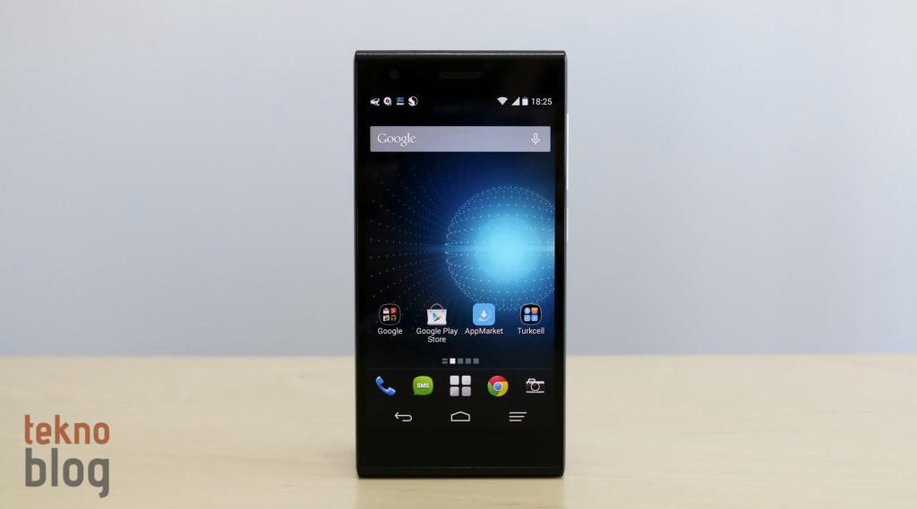 Turkcell'in 4G LTE destekli ilk akıllı telefonu Turkcell T50