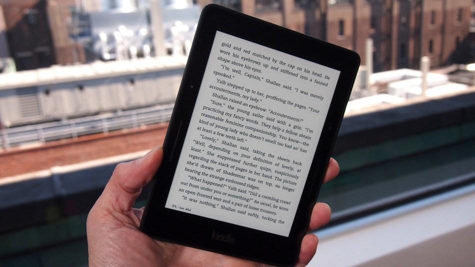 Amazon Kindle Voyage elektronik okuyucu pazarının yeni gözdesi olmaya aday