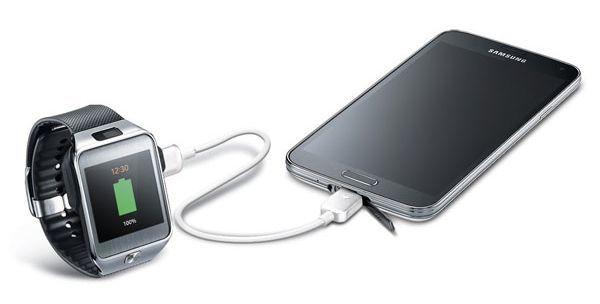 Samsung'un yeni kablosuyla saatinizi telefonunuzla şarj edin