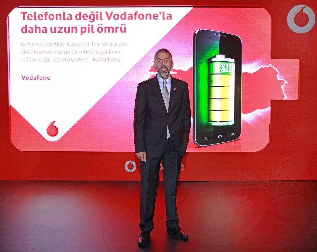 Vodafone Türkiye şebekesi sayesinde akıllı telefonların pil ömrünü uzatıyor