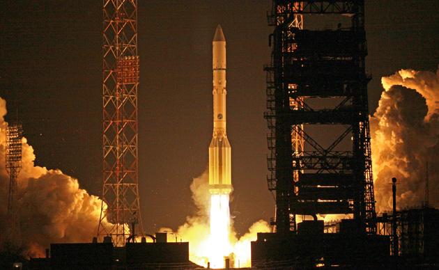 rusya-proton-roket-firlatma