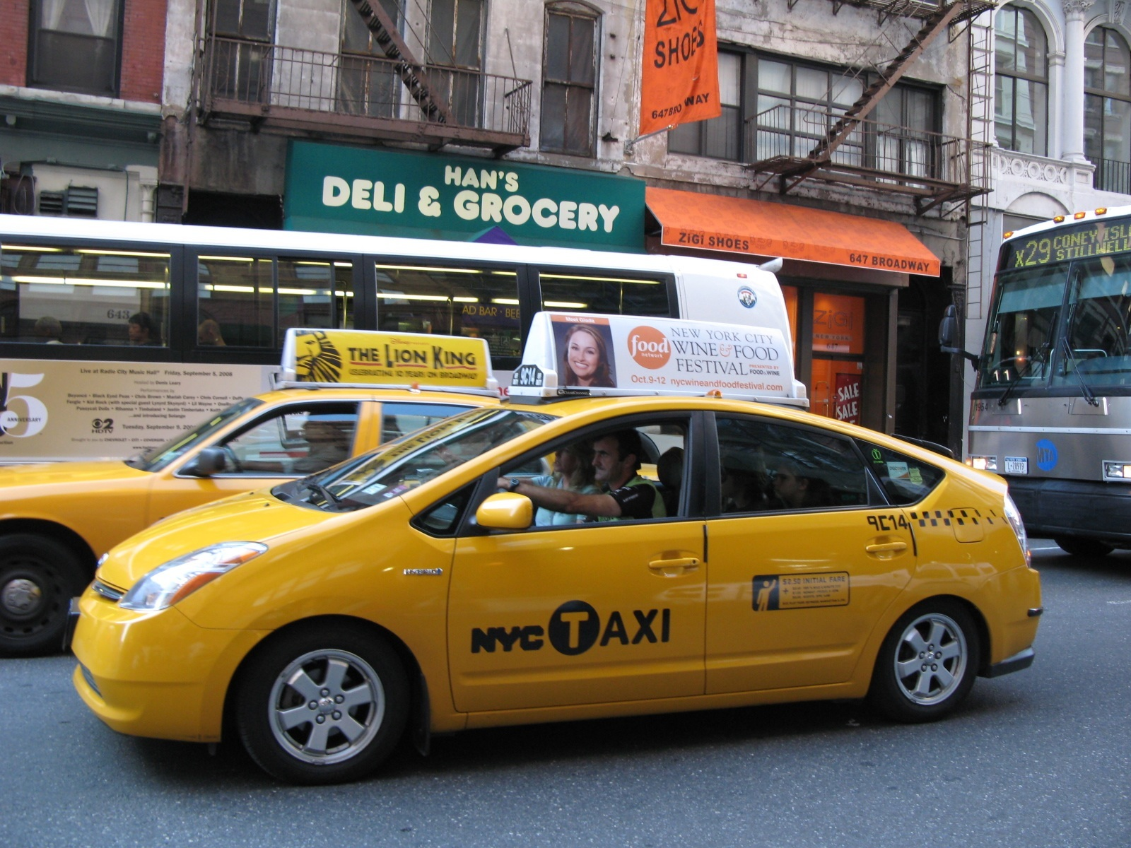 new-york-sari-taksi-190315