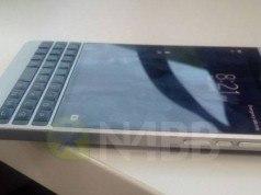 Daha kavisli bir BlackBerry Passport geliyor