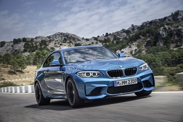 bmw-m2-coupe-141015-1