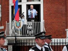 Ekvador Julian Assange'ın internet erişimini kesti