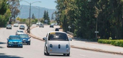 google-surucusuz-otomobil-031115
