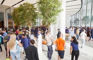 Apple Dubai mağazasının açılışından fotoğraflar ve video – Galeri & Video