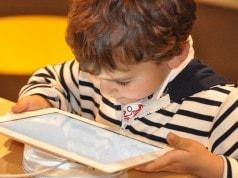 Dokunmatik ekranlar bebekleri uykularından ediyor