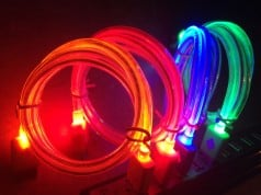Apple karanlıkta parlayan LED ışıklı kabloların patentini aldı