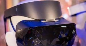 Microsoft Asus ve Dell tarafından üretilen Windows 10 VR başlıklarını görücüye çıkardı