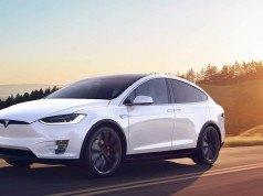 Tesla Model X fiyatında indirime gitti