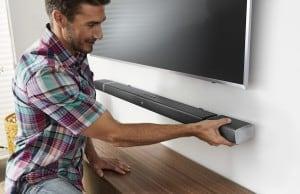 JBL Bar 5.1 ses barı kablosuz sinema sistemine dönüşebiliyor