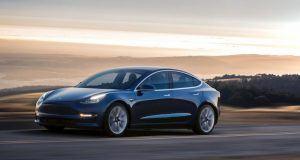 Tesla Model 3 üretiminde çarkları bir kez daha durdurdu