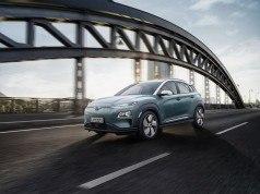 Hyundai Kona Electric tek şarjla 470 kilometre yol gidebilecek
