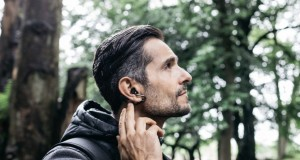 Sony Xperia Ear Duo ile Apple AirPods'a alternatif sunuyor