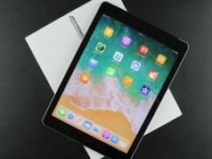 Video: iPad (2018) Kutusundan Çıkıyor