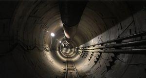 Tesla Model X Boring Company'nin tünelini test etti