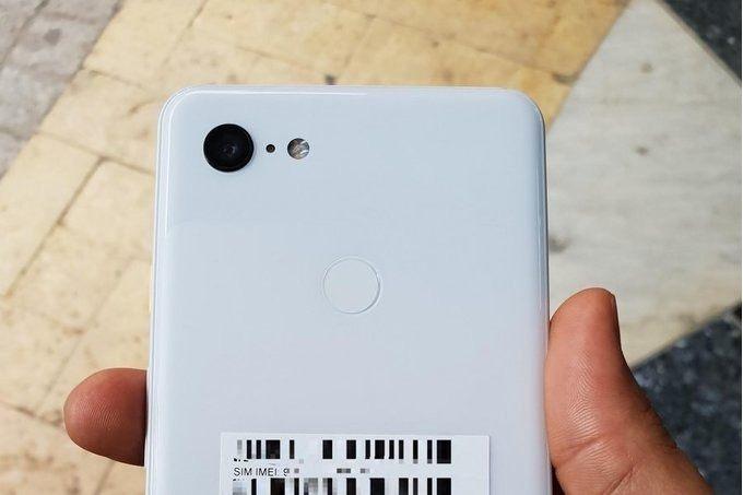 Beyaz Google Pixel 3 XL'e ait fotoğraflar internete sızdı