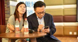 Samsung Galaxy Note 9 başkan DJ Koh'un elinde görüntülendi