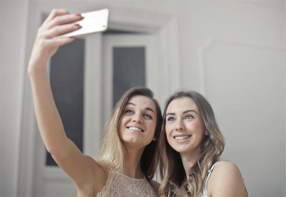 Selfie filtreleri günümüzün estetik ameliyat trendlerini belirliyor
