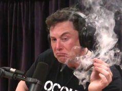 Elon Musk canlı yayında esrar içti, Tesla hisseleri değer kaybetti