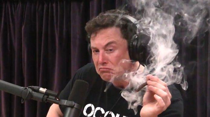 Elon Musk bir daha herkesin gözü önünde esrar kullanmayacak