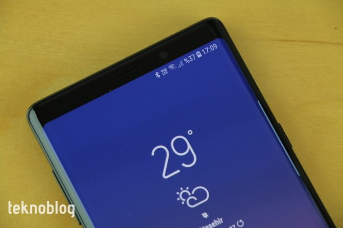 Samsung çentiği ortadan kaldıracak ekran üzerinde çalışıyor
