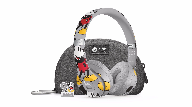 Beats Mickey Mouse'un 90. yaş günü için özel Solo3 kulaklık hazırladı