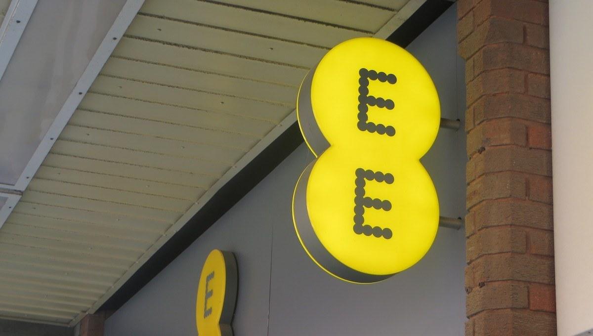 İngiliz mobil operatör EE, 5G'yi gelecek yıl Birleşik Krallık'a getiriyor