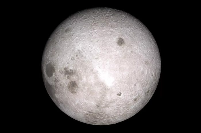 Çin Ay'ın görünmeyen yüzüne uzay aracı indirdi