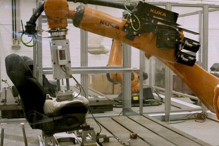 Ford'un robot poposu Robutt artık terliyor
